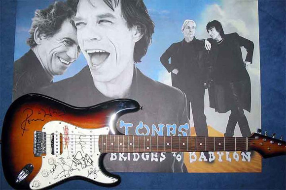 stones_guitar_signed